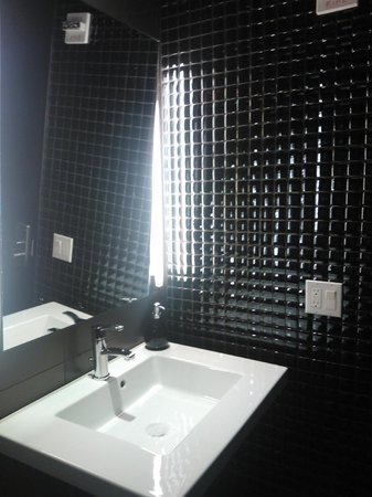 Broadway at Times Square Hotel : O banheiro do lobby é lindo!!