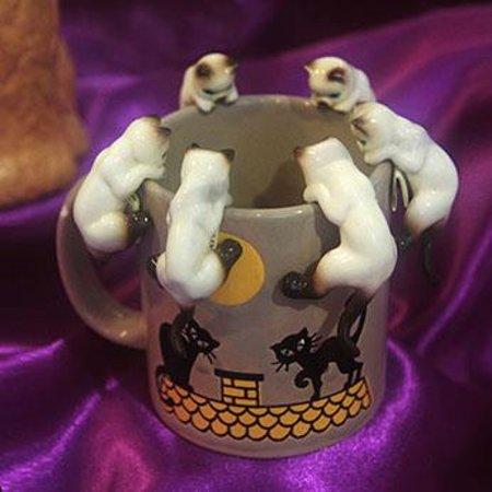 Cat Museum : Kitten on mug