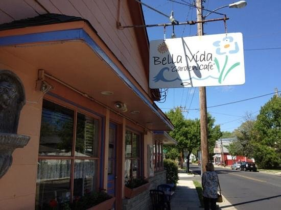 Bella Vida Garden Cafe: Bella Vida Cafe