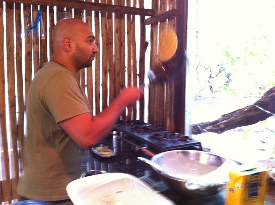 Dijembe Backpackers Hostel: pancakes, anyone?!?