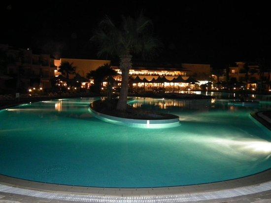 Club Azur Resort : бассейн