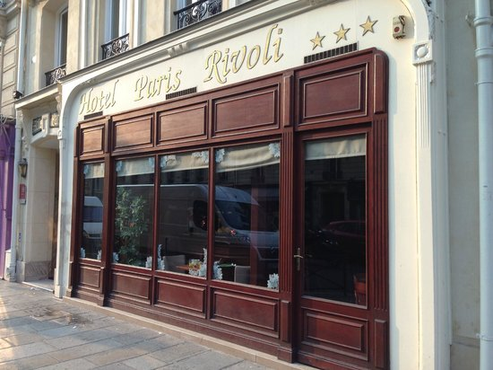 Hotel Paris Rivoli: Hotel front with dining area