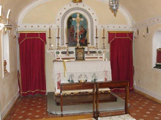 Agriturismo Villa il Leccio: Their own chapel
