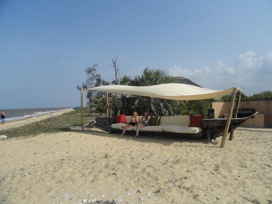 Saadani Safari Lodge: Beach