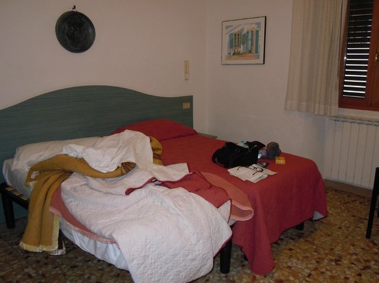 Hotel Italia : camera