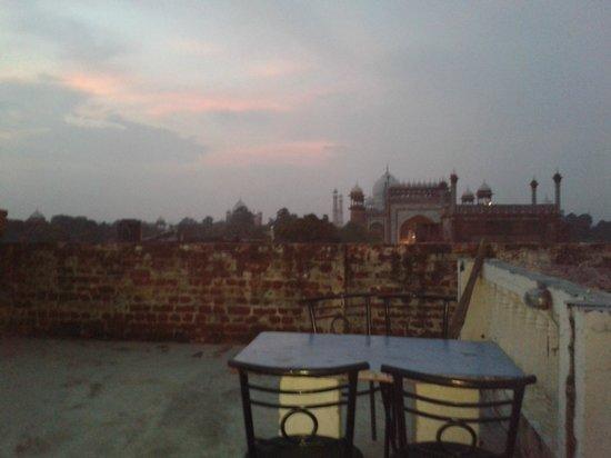 Hotel Raj: Azotea con vistas al Taj Mahal