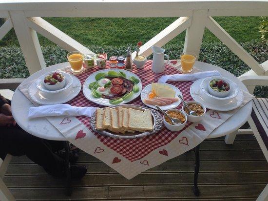 Bycroft Lodge Bed and Breakfast : Breakfast