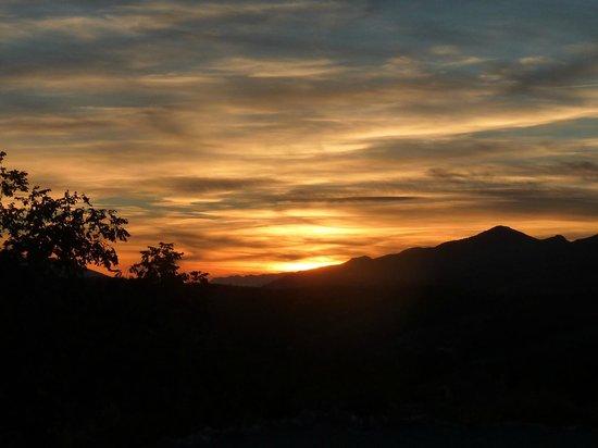Alqueria de Morayma: puesta de sol desde la Alquería de Morayma