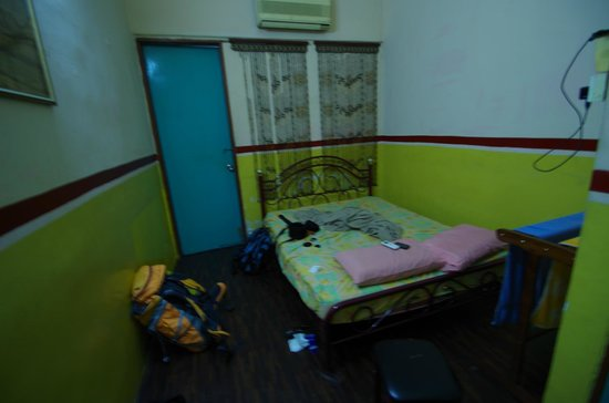 Home Sweet Home Hostel: double room aircon