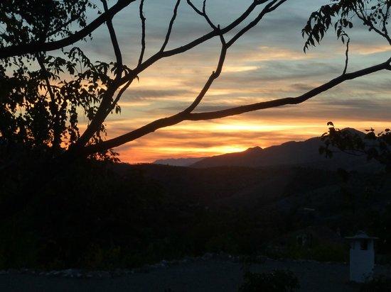 Alqueria de Morayma: puesta de sol en la Alquería de Morayma