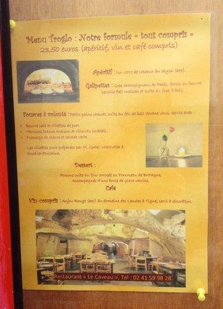 Le Caveau : La carte du menu unique, tout compris.