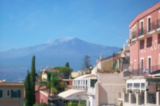 Atahotel Naxos Beach : View of Etna from Taormina