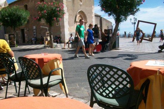 Atahotel Naxos Beach : Nice little bar in Taormina