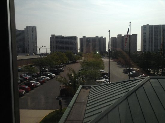 Comfort Inn Gold Coast: View from our hotel room. The buildings are the hotels across the street on the ocean side. This
