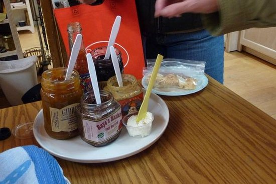 Maine Foodie Tours Kennebunkport: Yummy Spreads and Mustards