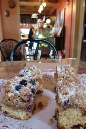 Maine Foodie Tours Kennebunkport: Delicious Blueberry Coffee Cake