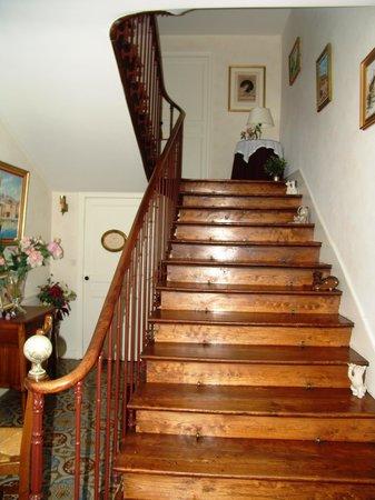 Hotel de Sainte Croix : Staircase