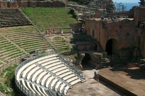Atahotel Naxos Beach : Amphitheater in Taormina