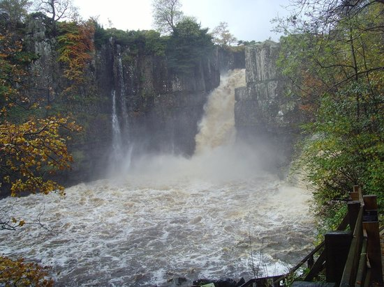 High Force Waterfall: High Force