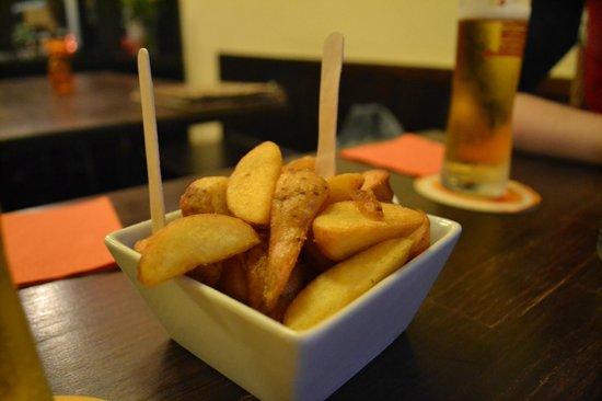 Biscaya - Tapas Bar: bierres et tapas