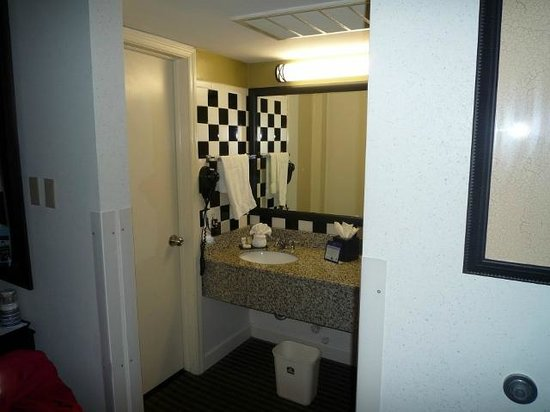 Best Western River North Hotel : Blick ins Badezimmer
