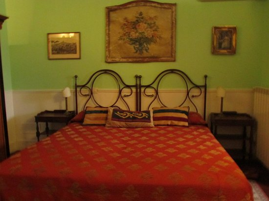 Residenza Arco dei Tolomei: Our 'guest' room