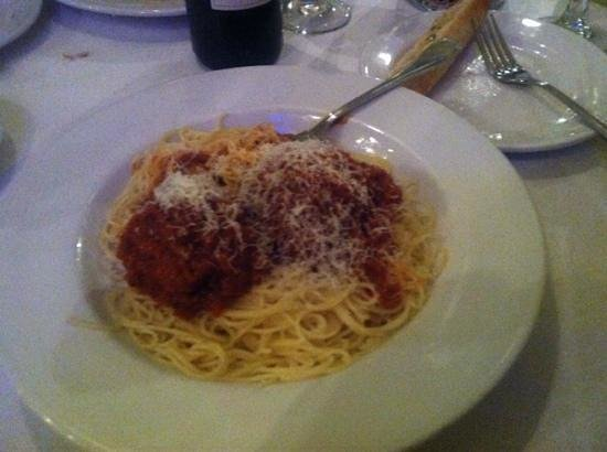 Sergio's Restaurant : spaghetti and meatballs (yum)