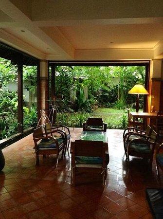 Santitham Guest House: la veranda
