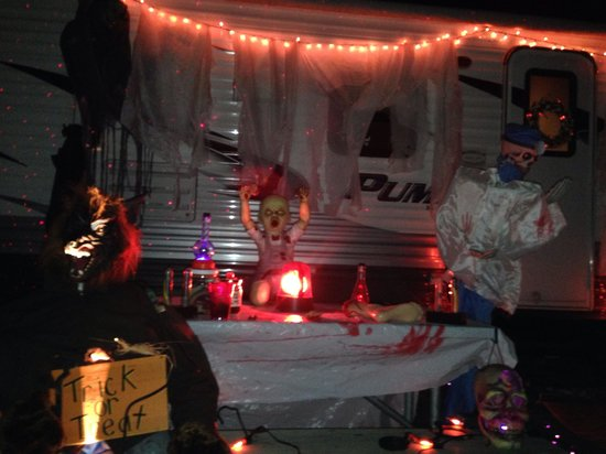 Walnut Hills Campground and RV Park: Halloween wknd at KOA!