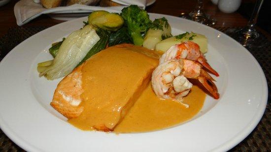 Hilton Cyprus : Dining at the Fontana