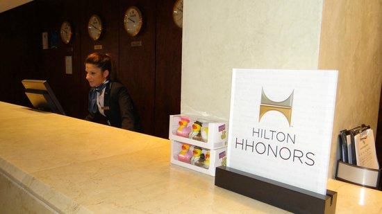 Hilton Cyprus : Reception desk
