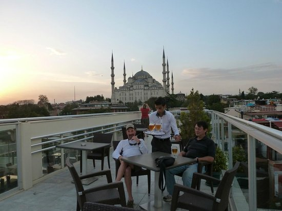 Ferman Hotel: Great roof top deck with spectacular views