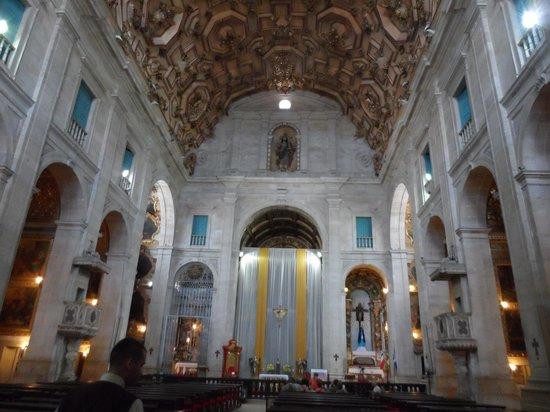 Basilica Cathedral : capela-mor e altar principal