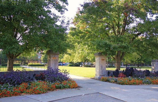 Purdue University: Hello Walk