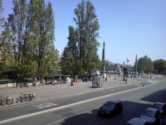 Hotel du Quai-Voltaire : View from the apartment; Quai Voltaire