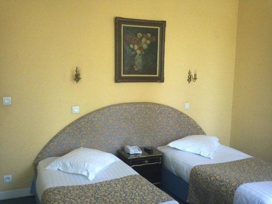 Hotel du Quai-Voltaire : Room