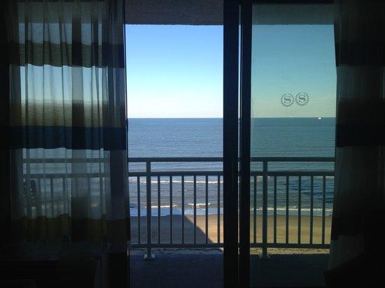 Sheraton Oceanfront Hotel: Balcony View
