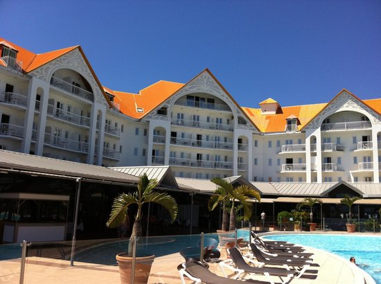 Mercure Creolia Saint-Denis La Reunion: Hotel exterior