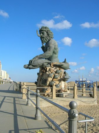 Neptune Statue Picture Of Neptune S Park Virginia Beach