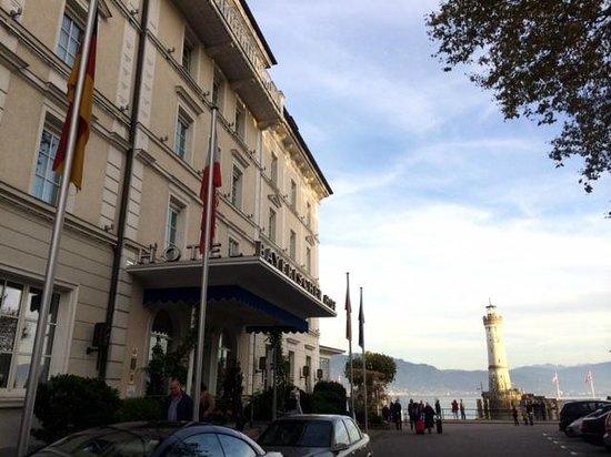 Hotel Bayerischer Hof: Front of the hotel