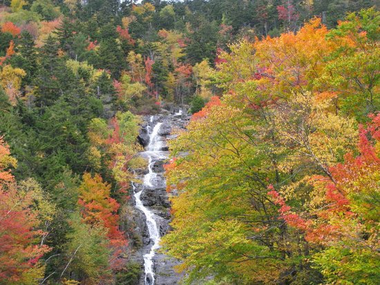 North Conway, NH: White Mountains in the Fall