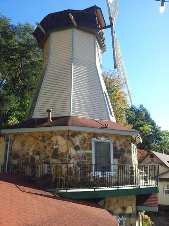 Heidi Motel: The windmill ( rooms inside )