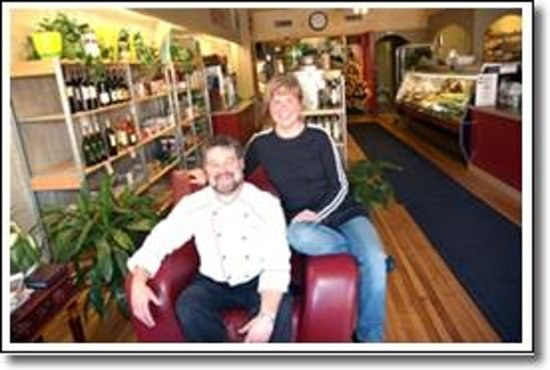 Chef's Bistro: Great Owners