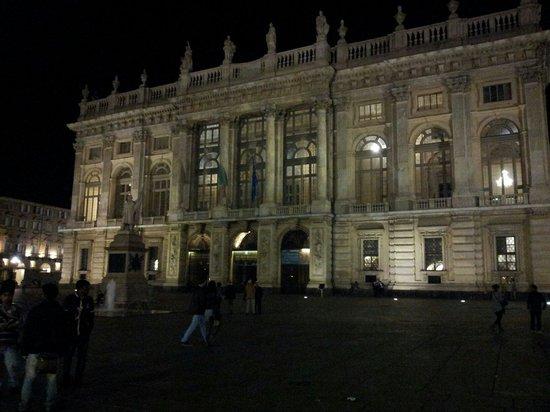 Piazza Castello : Palazzo Reale. .....