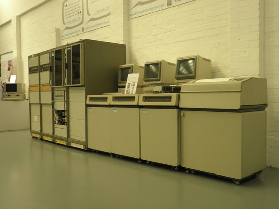 Vintage computers ready to play - Picture of The Centre for