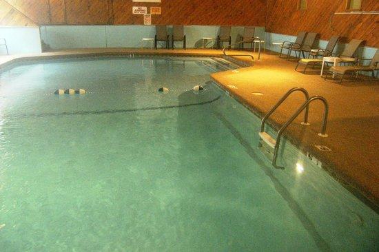 Eastern Inns: nice warm clean indoor pool