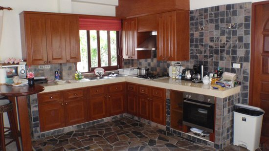 Idyllic Samui Oceanfront Resort & Villas: кухня