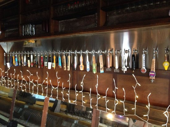 Phoenix Saloon: Great draft beer selection!