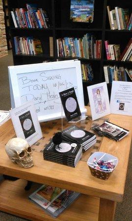 Sandman Book Company : Author Signing Daryl Healey