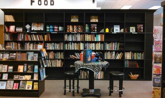 Sandman Book Company : Bookshelves at Sandman Books